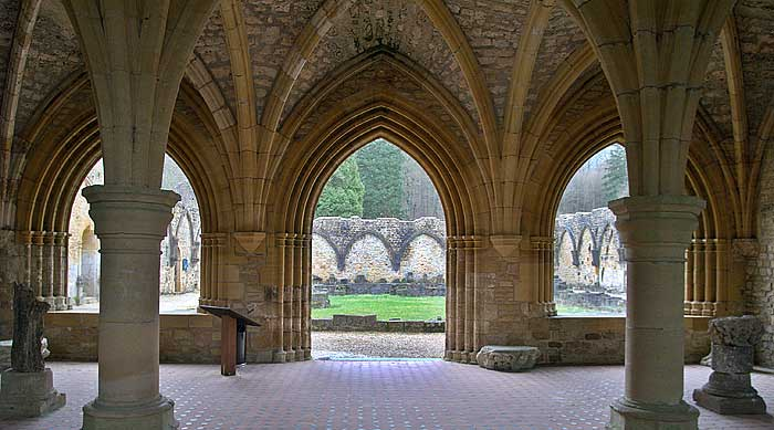 Orval Abbey, arches