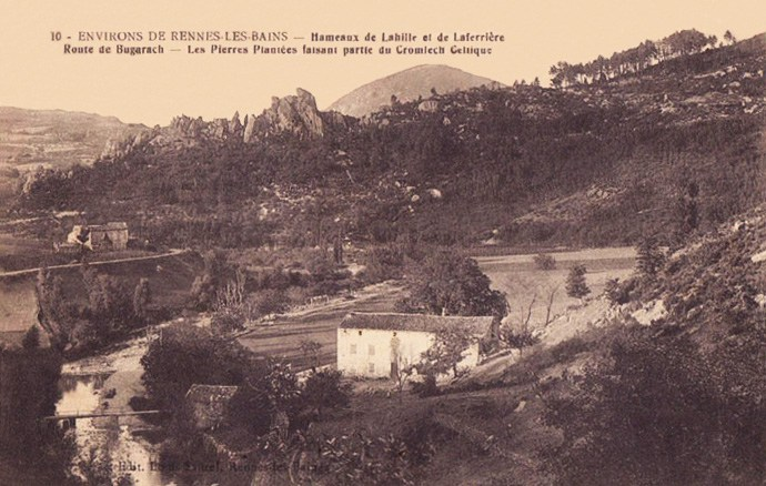 part of the Cromleck of Rennes-les-Bains around 1900
