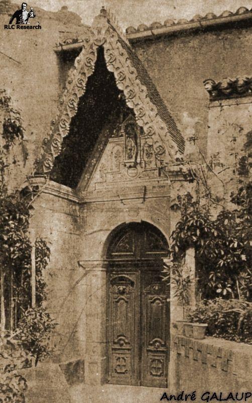 Church Porch ©André Galaup