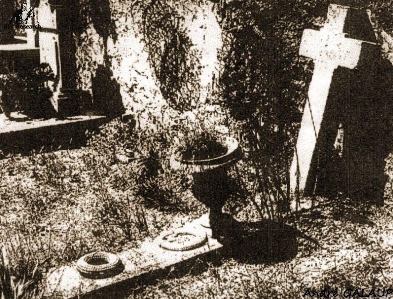 Bérenger Saunière's Tomb ©André Galaup