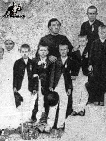 Bérenger Saunière with a group of children for first communion