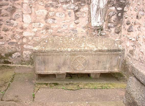La Sainte Tombe, Arles-sur-Tech